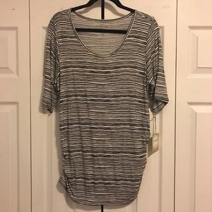 a:glow NWT Maternity Elbow-Sleeve Tee